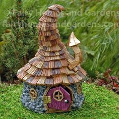 The Shingletown Wizard House has a delightfully quirky roof and is perfect for fairies and gnomes as well.