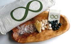PROSPERITY & ABUNDANCE KIT-- 25 stone set -- crystal healer set --- stones, quartz points, sacred geometry grid cloth, crystal pouch
