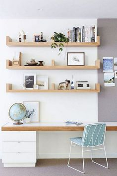 Cool Wall Storage Ideas Small Office Workplace organization for freelancers. If you looking for organization ideas for work at home, look at here. workplace home office ideas workplace organization Small Office Organization, Small Office Storage, Office Shelving, Shelving Ideas, Storage Organization, Office Bookshelves, Tiny Office, Storage Design, Office Storage Ideas