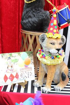 Interesting twist to use larger plastic animals as part of the party display