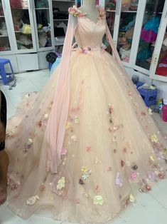 Robes Quinceanera, Pretty Quinceanera Dresses, Pretty Dresses, Beautiful Dresses, Ball Gowns Fantasy, Fantasy Dress, Fairytale Dress, Fairy Dress, Quince Dresses