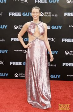 Anna Kendrick, Blake Lively Family, Blake Lively Ryan Reynolds, New Netflix Movies, Christian Louboutin, Ralph & Russo, Hollywood Red Carpet, Latest Gossip, Just Jared Jr