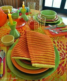 Love this table setting Vintage tablecloth and Fiesta Add some
