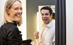 Philipp Hostettler, Gewinner unseres Gewinnspiels, wird fachmännisch von Andrea Killing (Geschäftsführerin PKZ MEN im Emmen Center) gestylt. Das Shooting war toll - so macht Styling Spass!