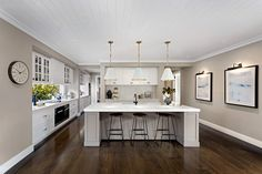Kitchen Lighting Ideas The Hamptons style is new and improved, and in this post you're going to see how to take this classic look in a contemporary direction. - An Aussie home rocking serious new Hamptons vibes. Hamptons Style Bedrooms, Hamptons Style Decor, Die Hamptons, Hamptons House, New Hampton, Hampton Style, New Kitchen, Kitchen Ideas, Kitchen Designs