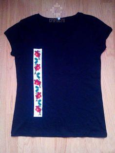 floricele pe câmpii Mens Tops, T Shirt, Fashion, Supreme T Shirt, Moda, Tee Shirt, Fashion Styles, Fashion Illustrations, Tee
