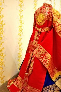 hanbok, Here for a royal queen. Red silk and gold thread embroidery. Korean Traditional Dress, Traditional Fashion, Traditional Dresses, Korean Dress, Korean Outfits, Historical Costume, Historical Clothing, Modern Hanbok, Culture Clothing