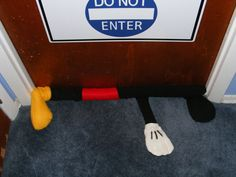 Mickey Mouse Door Draft Stopper I Easy-To-Sew Door Draft Stopper Ideas to Reduce Your Heating Bill Door Draught Stopper, Draft Stopper, Door Stopper, Disney Home, Disney Diy, Disney Crafts, Door Draft Blocker, Diy Door, Couture