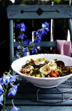 Unser beliebtes Rezept für Beluga-Hokkaido-Salat mit Ziegenkäse und Walnüssen und mehr als 55.000 weitere kostenlose Rezepte auf LECKER.de.