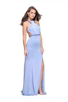 Gigi by La Femme dresses add even more sophistication and attitude to your prom look. Every prom girl will fall in love with the design and fit of a Gigi prom dress. Shop your favorite Gigi dress . Split Prom Dresses, Gold Bridesmaid Dresses, Prom Dresses Online, Homecoming Dresses, Dresses 2016, Long Dresses, Military Ball Dresses, Split Skirt, Perfect Prom Dress