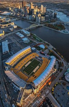Heinz Field in Pennsylvania 🇺🇸 Home of the Pittsburgh Steelers of the NFL. Pittsburgh Steelers Stadium, Pittsburgh City, Indianapolis Colts, Cincinnati Reds, Kansas City, Pittsburgh Pirates, Heinz Field, American Football, Here We Go Steelers