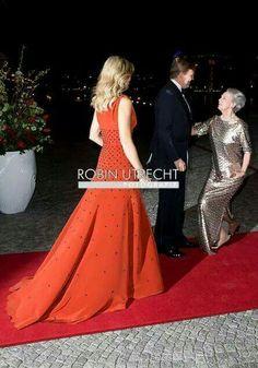 Princess Benedikte curtsies to king Willlem Alexander