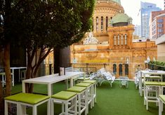 With summer in Sydney in full swing I thought it was about time I told you all about my fave rooftop bars in the city! Sydneysiders are crazy lucky in that they're spoilt for choice when it comes to cool… London Rooftop Bar, Rooftop Bar Bangkok, Best Rooftop Bars, Rooftop Pool, Coogee Beach, Victoria Building, Sydney City, Pool Bar, Super Yachts
