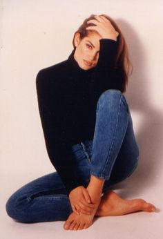 Cindy Crawford / / vintage fashion editorial / 90s style / fashion icons / mom jeans / high waisted denim / blue jeans / skinny slim jeans / straight cut / sexy / understated cool  / casual style / REDUN