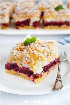 Kruche ciasto ze śliwkami i bezą - I Love Bake