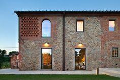 MIDE architetti - restauro antico casale lucchese del 1887 e il recente annesso rustico