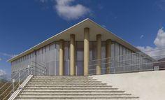 坂茂建築設計 / Shigeru Ban Architects 『ラクイラ仮設音楽ホール』  http://www.kenchikukenken.co.jp/works/1300244164/1591/