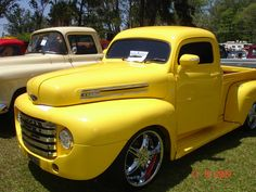 Awesome Dream cars photos are readily available on our web pages. Have a look and you wont be sorry you did. Classic Pickup Trucks, Old Pickup Trucks, Gm Trucks, Cool Trucks, Pick Up, Carros Vw, Volkswagen, Chevy Stepside, Panel Truck