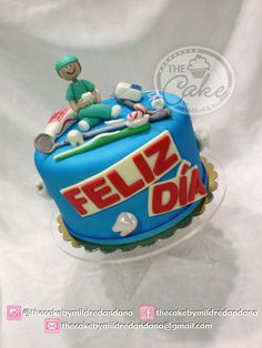 Celebrating The Dentist's day in my country. Everything hand modelled and edible. Puerto Ordaz-Venezuela