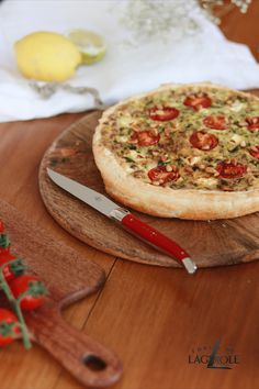 When was the last time you had a really good brunch? Spoil yourself and your loved ones on the weekend with good food in a relaxed atmosphere. The perfect dish: A fresh quiche with vegetables of your choice. Our Forge de Laguiole® knives make the whole experience perfect.  #quiche #vegetables #vegetarian #forgedelaguiole #laguiole #laguioleknife #knives #knife #laguioleknives #madeinfrance #handmade #dish #meal #dinner #lunch #healthyrecipes #healthylunch #vegetarianrecipes #tablesetting