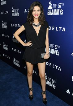 2/5 #ヴィクトリア・ジャスティス Delta Air Lines Grammy Party |海外セレブ最新画像・私服ファッション・着用ブランドチェック DailyCelebrityDiary*
