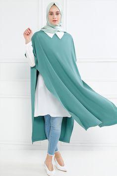 Refka Yeşil Gömlek Tunik Takım Abaya Fashion, Modest Fashion, Girl Fashion, Fashion Outfits, Womens Fashion, Muslim Women Fashion, Islamic Fashion, Modele Hijab, Abaya Designs