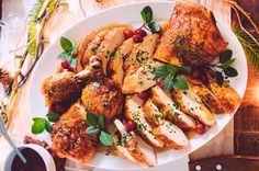 Porque no todo tiene que ser pavo, aquí te dejamos esta receta de pollo que se convertirá en tradición navideña.