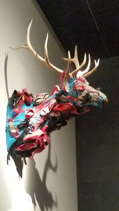 That's one way to mount shoes. San Antonio, Find Art, Museum, Heart, Shoes, Beautiful, Jewelry, Zapatos, Jewlery