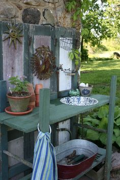 outdoor clean up - perfect! Luv this for the back yard faucet with a splitter can water the yard & have a cleanup area!
