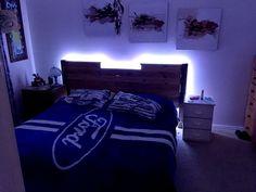 Gorgeous 24 DIY Glowing Pallet Bed Ideas https://architecturemagz.com/24-diy-glowing-pallet-bed-ideas/