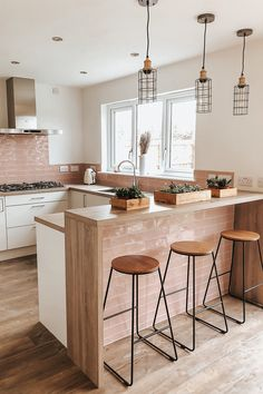 Open Kitchen And Living Room, Kitchen Room Design, Modern Kitchen Design, Home Decor Kitchen, Interior Design Kitchen, Home Kitchens, Pink Kitchen Designs, U Shaped Kitchen Interior, U Shape Kitchen