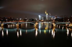Night time skyline of Frankfurt, Germany Unique Hotels, Best Hotels, Beautiful Places To Visit, Places To See, Frankfurt Skyline, Skyline Homes, World Cities, Night City, Travel Photos