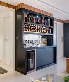 If you are planning to have a bar in your home with a unique design where you can hang-out, party with your friends or just watch a game you need to have a list the best home bar design ideas. Home Bar Rooms, Home Bar Areas, Home Bar Decor, Home Bar Counter, Home Bar Cabinet, Bar Kitchen, Mini Bars, Bar Sala, Coffee Bar Home