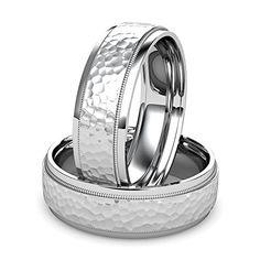 Platinum Men's wedding band featuring a hammered center w...
