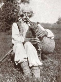 Carpathian mountings , W. Ukraine , from Iryna Scottish Bagpipes, Carpathian Mountains, Gypsy Life, Cultural Diversity, Folk Fashion, Vintage Pictures, Vintage Photography, Music Artists, Ukraine