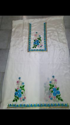 Embroidery Suits Punjabi, Embroidery On Kurtis, Kurti Embroidery Design, Hand Embroidery Videos, Flower Embroidery Designs, Shirt Embroidery, Embroidery Fashion, Patiala Suit Designs, Churidar Designs