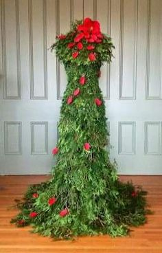 """some Christmas ideas for different types of """"trees"""" I found online with a dress form."""