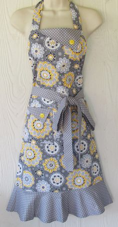 Floral Apron Gray and Yellow Apron Retro Style by KitschNStyle