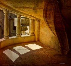 Window and shadows, Convento de Cristo - Tomar, Portugal