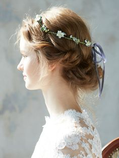 Flower crown instead of veil. Or with veil? Wedding Hair And Makeup, Wedding Beauty, Bridal Hair, Hair Makeup, Wedding Headdress, Headpiece, Crown Hairstyles, Wedding Hairstyles, Just In Case