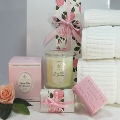 Beautiful Luxury towel set with perfumed soy wax candle and scented bath soap. Hampers For Her, Gift Hampers, Luxury Hampers, Luxury Towels, Bath Soap, Bath Towels, Fragrant Candles, White Lilies, Soy Wax Candles