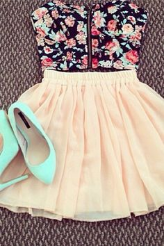 I a high wasted skirt and a top like this so bad!! I don't really like the shoes though...