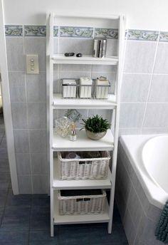 DIY bathroom design ideas on a budget DIY Badezimmer Design-Ideen mit kleinem Budget Bathroom Towel Storage, Bathroom Storage Solutions, Diy Bathroom Decor, Budget Bathroom, Bathroom Shelves, Bathroom Flooring, Bathroom Organization, Organization Ideas, Master Bathroom