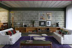 Cool Basement Ideas On A Budget – Basement Ideas 101 Home Room Design, Basement Decor, Concrete House, House Rooms, Home Decor, Cinder Block House, House Interior, Brick Room, Brick Interior