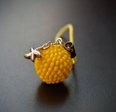 Žlutá mořská mini hvězdička - přívěšek na klíče, mobil... – Potvor - pomáhat tvořit