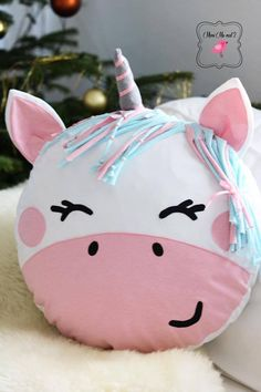 DIY EInhorn Kissen nähen How To Make Pillow Covers Whether you have long-standing arts Cute Pillows, Baby Pillows, Kids Pillows, Animal Pillows, Sewing Toys, Sewing Crafts, Sewing Projects, Diy Deco Rangement, Felt Crafts