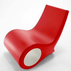 CHAISE FISH CHAIR  Petit fauteuil entièrement en matériel plastique avec technique rotationnelle.  Disponible en plusieurs couleurs avec l'intérieur toujours blanc.  Designer :SATYENDRA PAKHALÈ Marque :CAPPELLINI Couleur :ROUGE Dimensions : L 55cm H 72cm P 87cm  #Jbonet #design #Cappellini