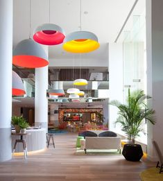 The Oluce Canopy Lights provide an unexpected hit of neon in the QT Hotel, Australia :-) http://www.nest.co.uk/browse/brand/oluce/oluce-canopy-suspension-light Image via The Contemporist.