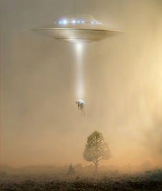 """En el campo de la «ufología» y en el de la """"ciencia ficción"""" se llama abducción al acto en el cual uno o más seres extraterrestres toman a un ser vivo terrestre contra su voluntad, lo secuestran y lo llevan a algún sitio determinado, generalmente a su propia nave espacial."""