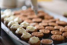 Kodin Kuvalehti – Blogit | Ruususuu ja Huvikumpu – Porkkanakakku-muffinit ja vaahtokarkkikorvat Almond, Food, Essen, Almond Joy, Meals, Yemek, Almonds, Eten